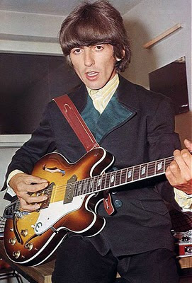 Epiphone_Casino,lennon,revolution,gibson_es_335,hollow_body,1966,revolver,George_Harrison,psychedelic-rocknroll