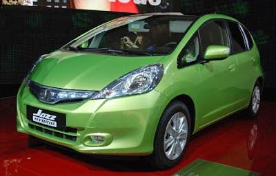 Mobil Honda Jazz Hybrid 2011