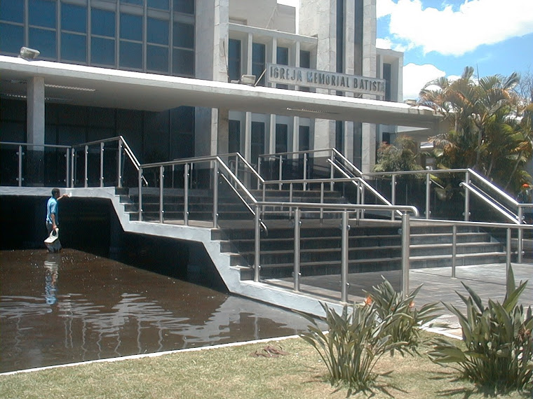 Escadaria da Igreja Memorial Batista de Brasilia