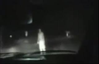 La Mujer Fantasma del Camposanto
