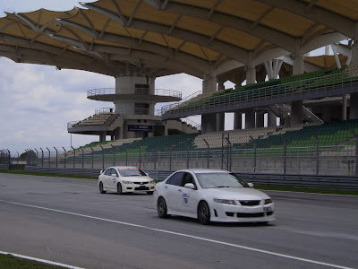 Time To Attack Sepang Civic Type R VS Accord Euro R