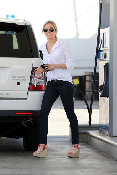 Lauren Conrad Her Life Her Fashion Her Style For Having A Boyfriend Just Not That Into Her