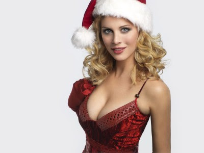 Eva Habermann Posed In Santa Hat Style