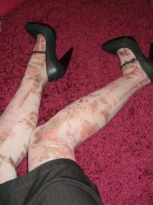 Meia-calça com desenhos de tattoos, comprada em Camden Town.