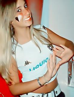 Meninas com camisa de times