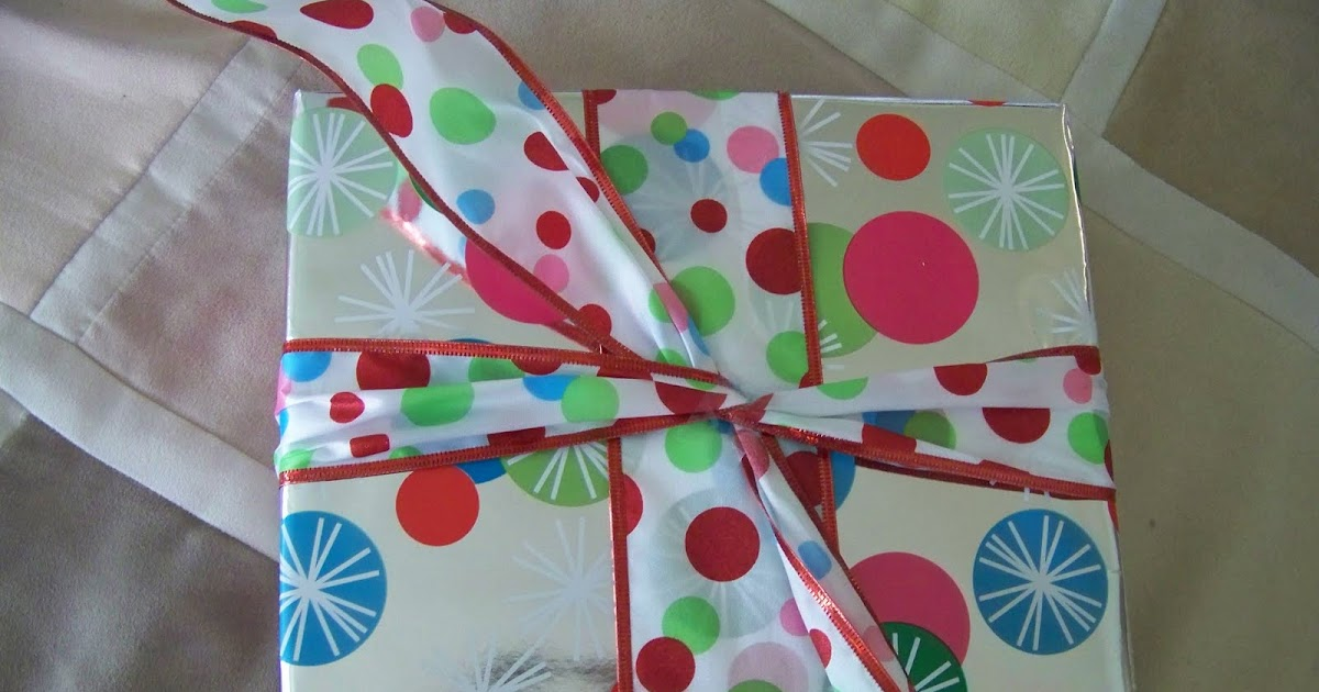 how to make ribbon bows out of wrapping paper