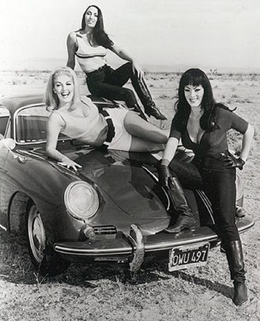 Faster, Pussycat! Kill! Kill! - Tura Satana - Haji - Lori Williams