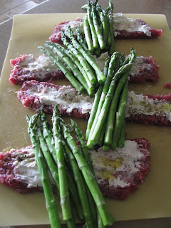 No onions beef and asparagus roll ups in large saucepan add enough salted water to reach a dept of 2 inches bring to a boil add the asparagus and cook until crisp tender about 3 minutes ccuart Image collections