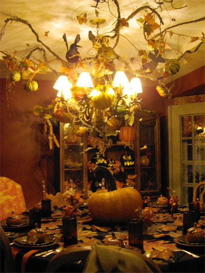 Friday internet crushes halloween decorations and for Haunted dining room ideas