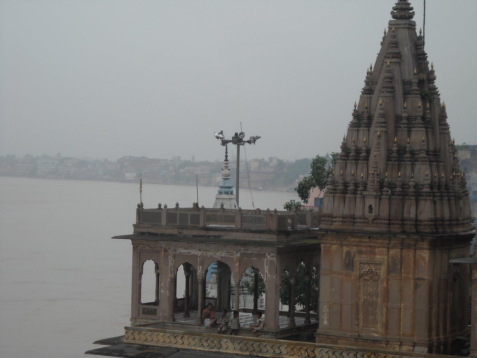 [varanasi+temple+view]