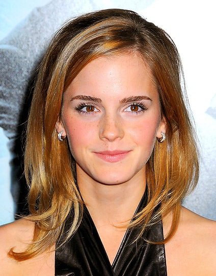 Emma Watsons new hairstyle.