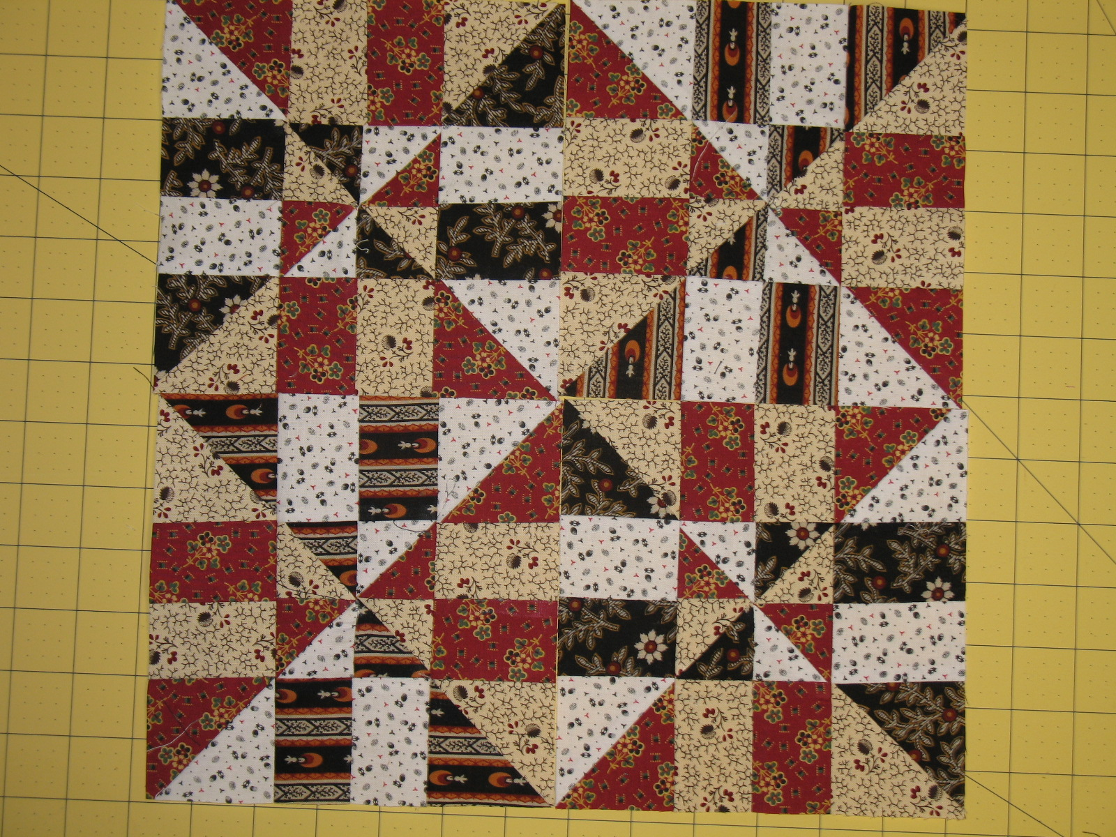 Quilt Patterns Windmill Block : Welcome Home Farm: Pinwheel Disappearing 4-Patch quilt block