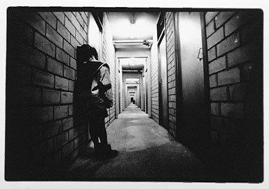 http://4.bp.blogspot.com/_MADVotcQEZQ/Sw7u4OLTLFI/AAAAAAAAAC0/KsRhEAu8jgc/s1600/lonely+girl.jpg