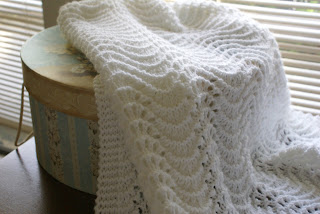 Blanket baby: FEATHER AND FAN BABY BLANKET PATTERN