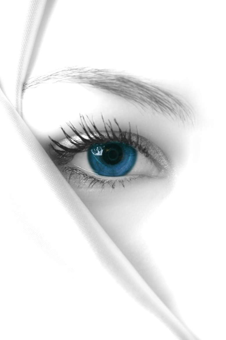 models blue eye