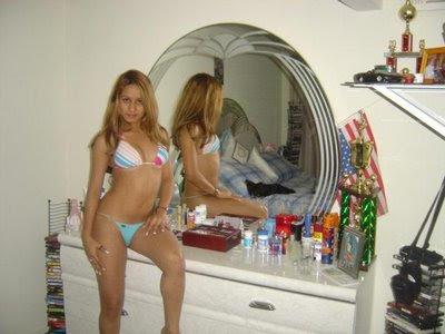 chicas en tanga chicas pilladas pilladas de tanga  bellas en bikini