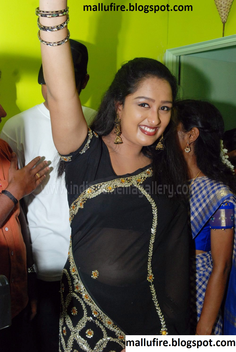 Parijatham Fame Rasana Showing Navel Tthrough Transparent Black Saree