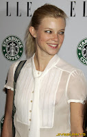 Amy Smart nip slip