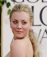 Kaley Cuoco Golden Globe Awards 2011