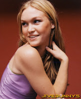 Julia Stiles in Beautiful and Charming Face Beauty Close-up Model Portrait Photoshoot Session
