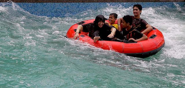Bukit Gambang Water Splash