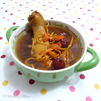 Cordyceps Militaris Chicken Soup 虫草花炖鸡汤