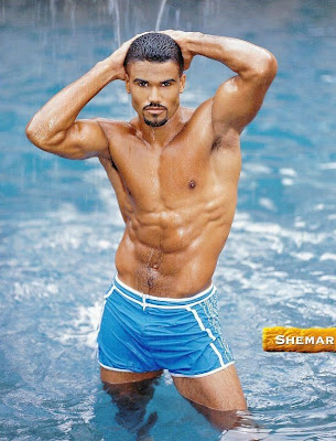 Celebrity Friday: Shemar Moore Nude on Gay Beach