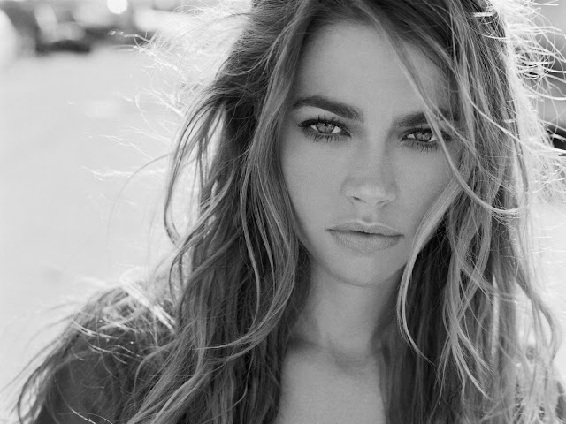 Denise Richards Sexy,Hot,nude wallpapers,images,Pictures and Photos