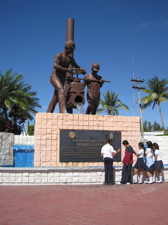 MONUMENTO AL AGUA