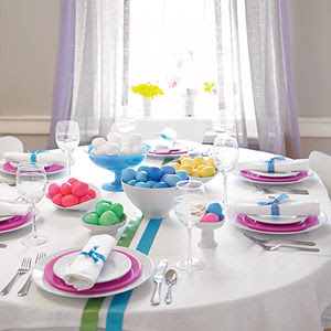 What a simple yet stunning spring or Easter table. This is from the ...