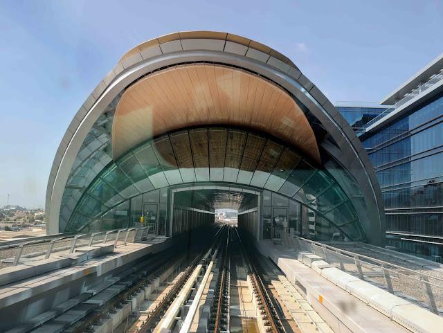 http://4.bp.blogspot.com/_MJP0UXD31gE/S9qy-Cv7BMI/AAAAAAAAqRQ/khK3t0ctJtw/s1600/Dubai+Metro+(3).JPG