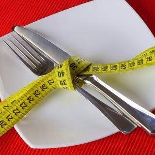 http://4.bp.blogspot.com/_MJanY3ncq3k/TTYzjvqyRII/AAAAAAAAAwU/nnGiEHE6a_8/s320/dieta.jpg