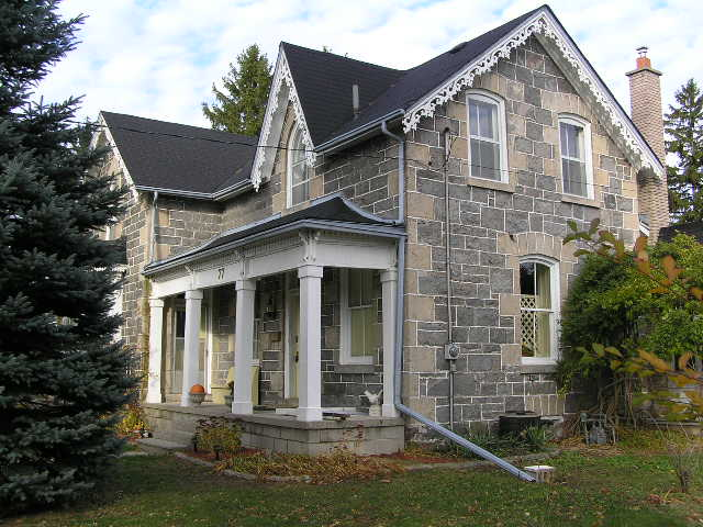 1000 images about ontario stone houses on pinterest for Gothic revival farmhouse