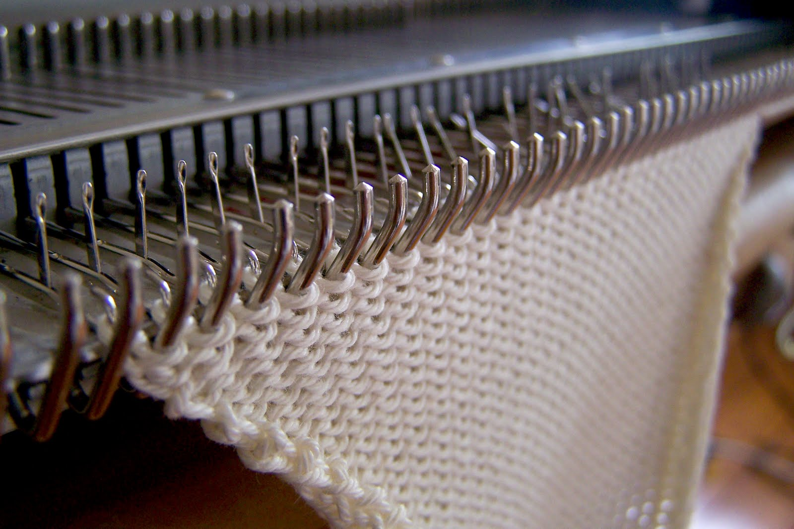 Knitting Machines : Beauty in the mundane knitmaster machine