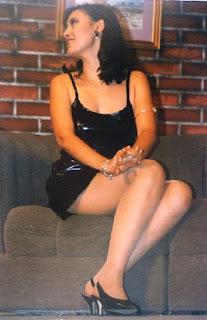Cogiendome a mi suegra nalgona en el sillon de su casa - 2 4