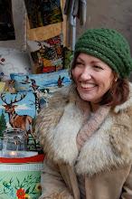 Här har ni mig bland mina kuddar på den kreativa julmarknaden! Tack för en härlig dag!