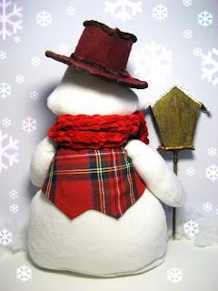 а это снеговичек показывает спинку