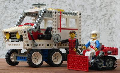 blogo technic 8660 camion de sauvetage polaire. Black Bedroom Furniture Sets. Home Design Ideas