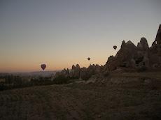 de vallei bij zonsopgang