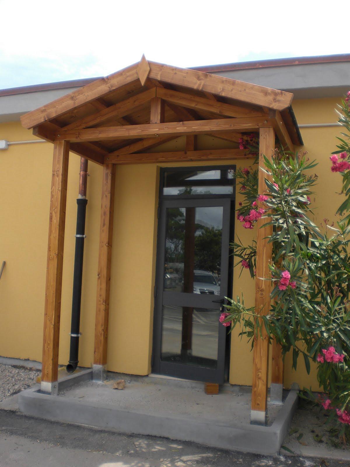 Montagnani paolo s r l strutture in legno tettoia per ingresso - Tettoia per porta ingresso ...