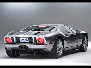 Ford on Este Coche De Aqu   Es El Ford Gt Tiene 500cv Y Es Un V8