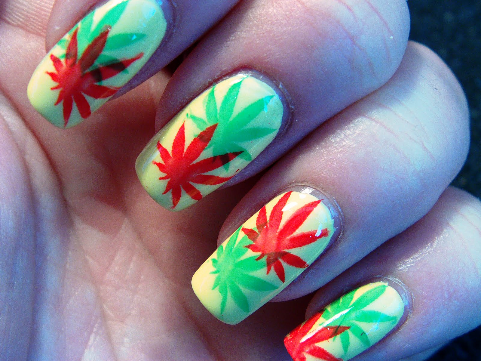 All About Nails Marihuana In Rasta Colors