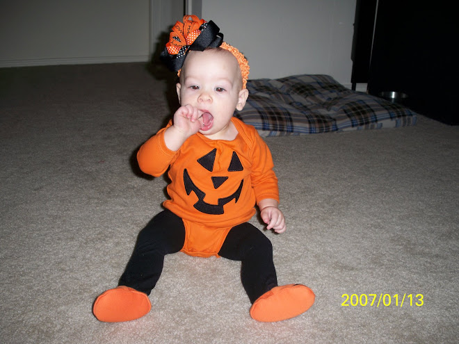 Pumkin outfit and bow mommy made