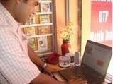 മാഗസിന് പ്രകാശനം ypkerala.com എം.ഡി ദീപേഷ് ജോര്ജ് നിര്വഹിക്കുന്നു