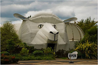 The sheep building (Tirau, Waikato, New Zealand)