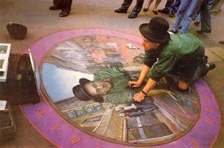 Artista a trabalhar - Desenhos tridimensionais na calçada - Giz - Julian Beever