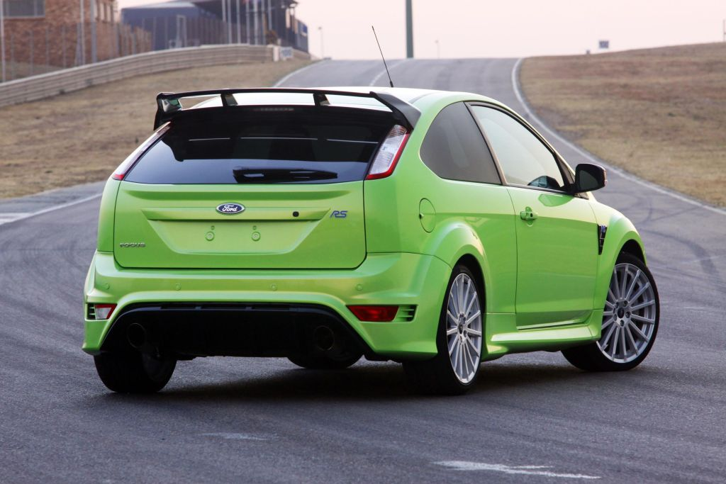 in4ride 2010 ford focus rs shaken and stirred. Black Bedroom Furniture Sets. Home Design Ideas