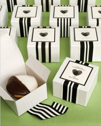 How cute are these favors spotted in the latest Martha Stewart Weddings