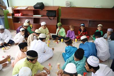lawatan kerumah anak yatim pelarian rohingya IMG_2957