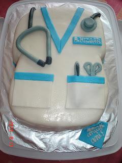 Articole culinare : tort halat de asistenta medicala